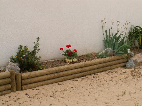 Bordures lerouvillois s am nagement de jardins for Bordure jardin demi rondin bois
