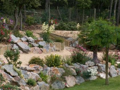 Enrochement et plantation - Pierre pour rocaille ...