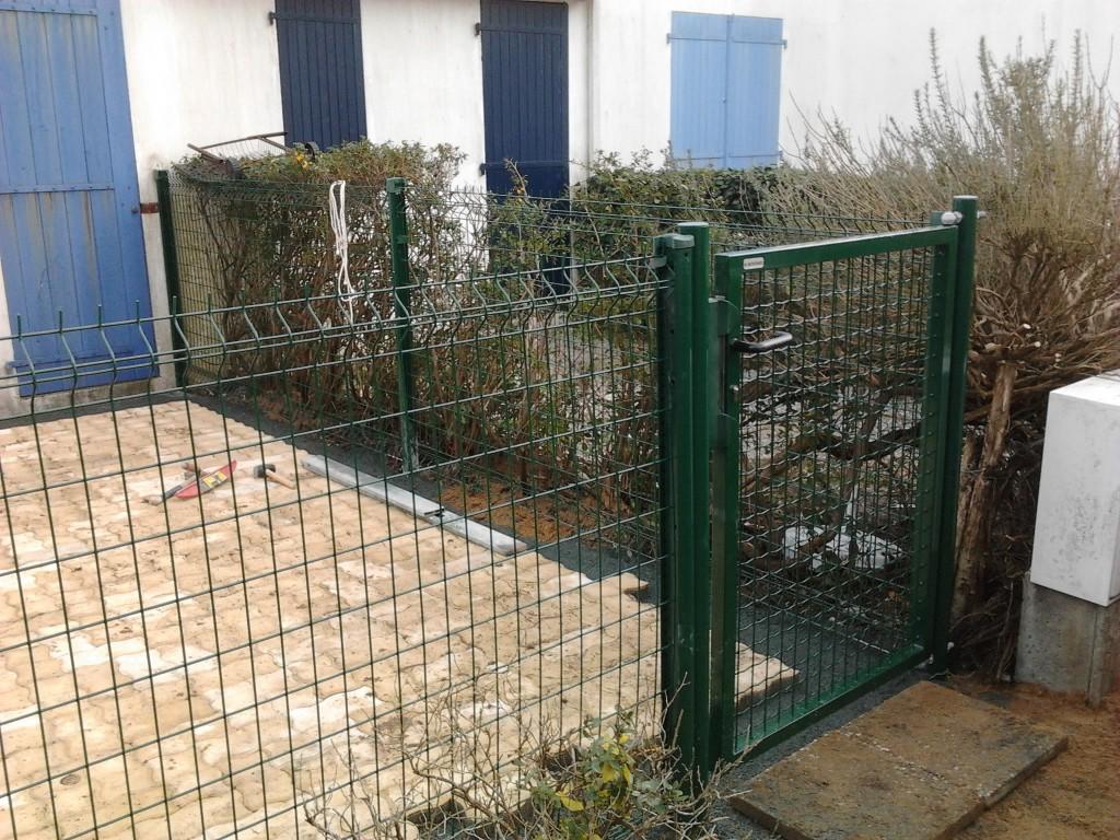Portails lerouvillois s am nagement de jardins for Portillon plastique